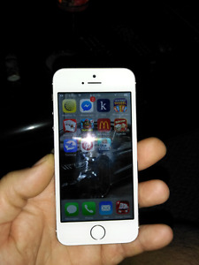 Iphine 5s 16gb with koodo brand new screen comes with charger