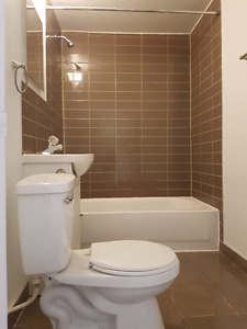Renovated 21/2 available immediately.