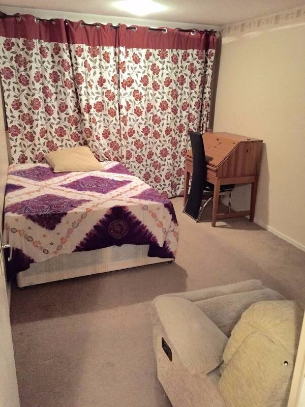 Beautiful specious 1 double room to rent