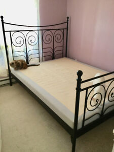 Queen bed frame & boxspring mattress