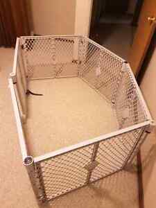 foldable baby gate/ play area