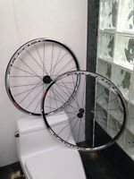 BRAND NEW FULCRUM RACING 7 CAMPAGNOLO WHEELSET - 700C CLINCHERS