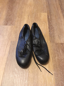 CAPEJIO TELETONE TAP SHOES (USED) FOR SALE!!