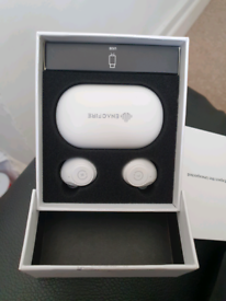 Earbud Bluetooth wireless headphones
