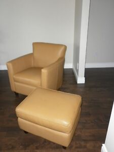 Chaise et Ottomen / Chair and Ottoman