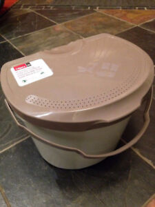 Looking for Kitchen Composting Bin