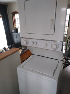 Laveuse sécheuse Whirlpool thin twin,