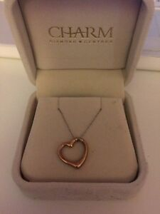 Gold Heart Necklace  Cambridge Kitchener Area image 1