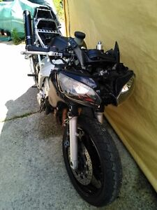 YAMAHA R6 2000 PARTING OUT Windsor Region Ontario image 6