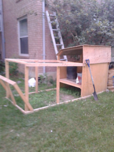 Chicken coup chicken tractor