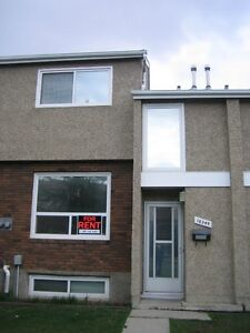 Townhouse CLOSE TO WEST EDMONTON MALL