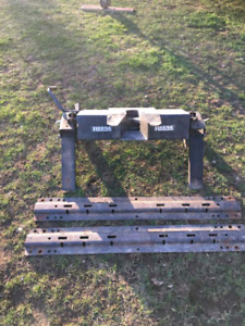 5th wheel hitch $150 firm