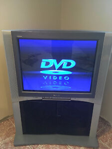 "Sony Trinitron Tube TV 32"" in very good condition."