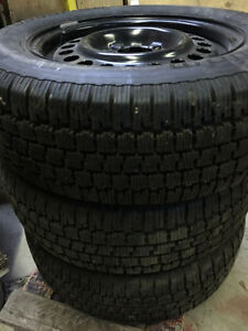 2 Pneus BF Goodrich Winter Slalom Tires 205/65R15