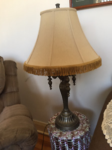 larger 3 light table top lamp