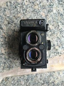 Yashica Mat124g 6x6 120mm Camera