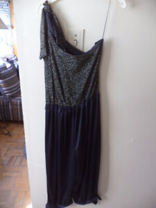 Womens pant outfit size 9 and top