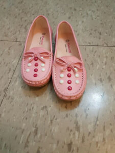 Todder girl shoes . Size 11