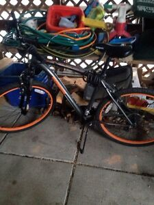"Men's 27.5"" Mountain Bike. Only used for one season.  Peterborough Peterborough Area image 1"