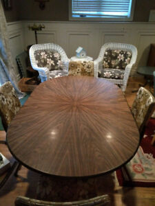 Vintage arborite kitchen table and chairs