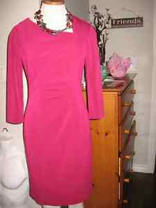 Classic KAY UNGER fully lined dress size 2 Just like new!
