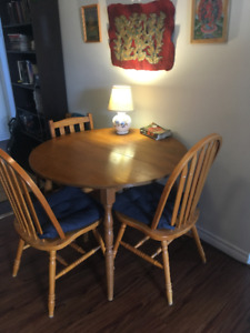 Dining Room Table And Two Chairs Guelph