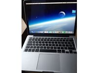 MACBOOK PRO 13.3in 6 months old. Retina display 2015 model