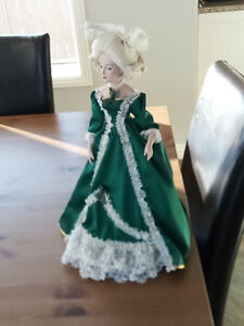 """Franklin Mint """"Heirloom Doll Collection"""" Marie Antoinette"""