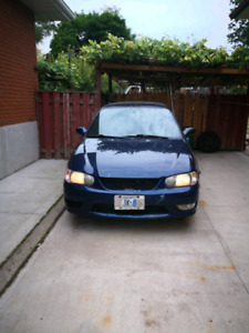 2001 Toyota Corolla LE. AS IS $1000.