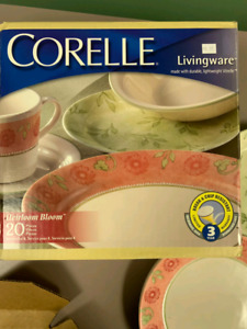 Corelle plate and cup dinner set