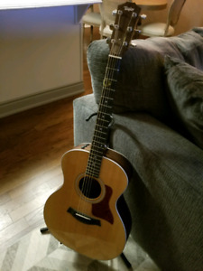 Taylor 214e acoustic/electric mint - just setup/new strings