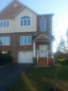 TOWNHOUSE for Rent, AVAILABLE NOW, Short Term Lease Can Consider