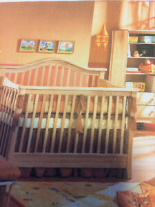 Crib for sell in exelant condition