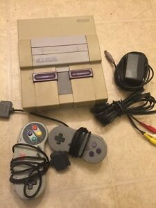 System Nintendo SNES 2 controllers