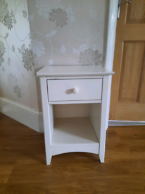Cream/white bedside table