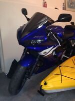YAMAHA R6 2004 super clean LOW KM