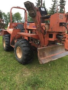 Ditchwitch 6510 trencher/backhoe