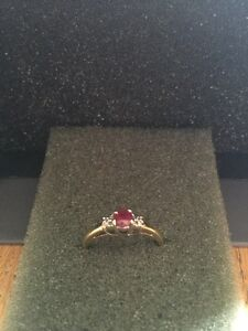 14 carat yellow gold ruby and diamond ring