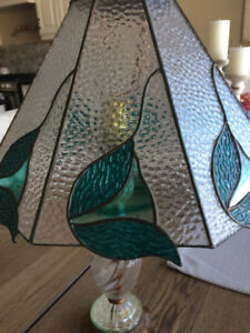 Beautiful stained glass/brass table lamp