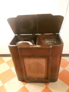 1930s radio and record player RCA Victor Model VR-50