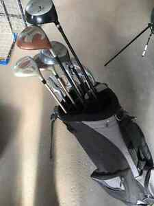 Set of 14 golf clubs (right) with bag