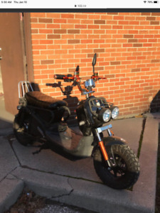EMmo monster new tires new charger and battery like new,