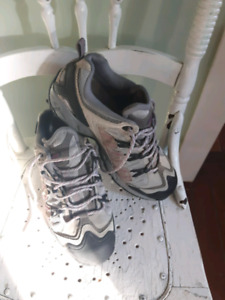 NEW PRICE!!!! High Tech Hikers