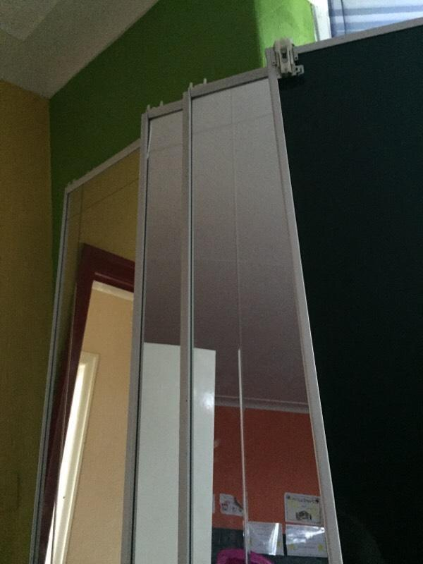 Mirrored sliding wardrobe doors and tracks in leeds for Sliding glass doors gumtree