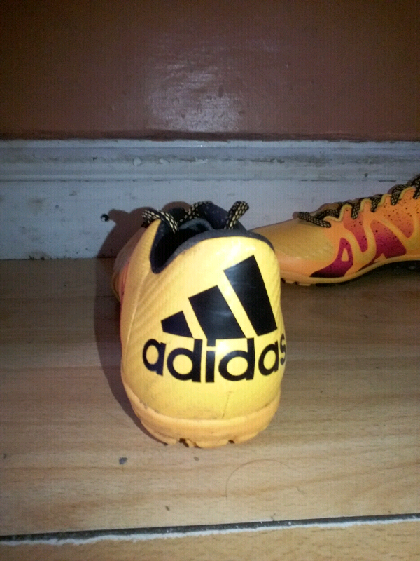 278d6d9c050d9 Adidas football shoes (size 7 uk)(wore 1 time)