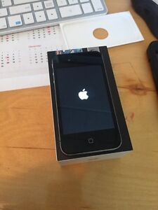Iphone 4 - 8 GB - Bell