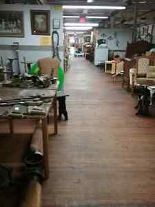 Canada's largest antique mall 600 booths to explore  Kawartha Lakes Peterborough Area image 6