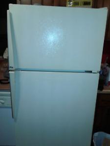 Amana Refrigerator with Top Freezer