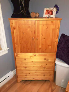 Armoire Dresser in Real Pine wood