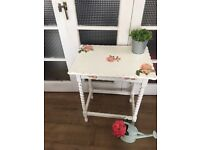 SHABBY CHIC SIDE TABLE BEDSIDE TABLE CONSOLE TABLE BEAUTIFUL